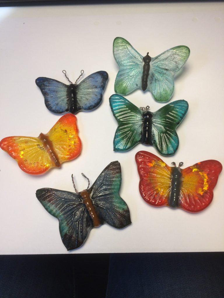 Glas fjärilar, går att beställa.